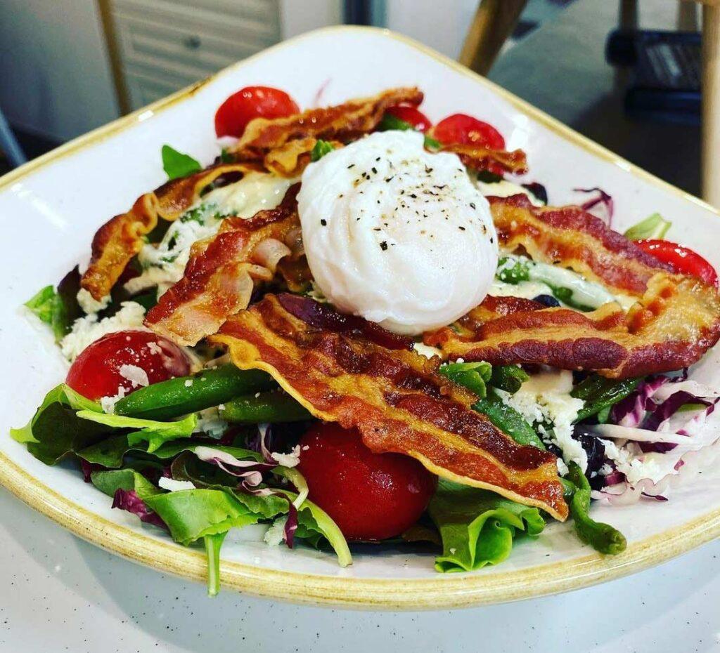 Restavracija Srebrna vilica - solata s slanino